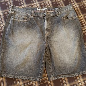 CHAPS SANDED DISTRESSED JEAN SHORTS 40